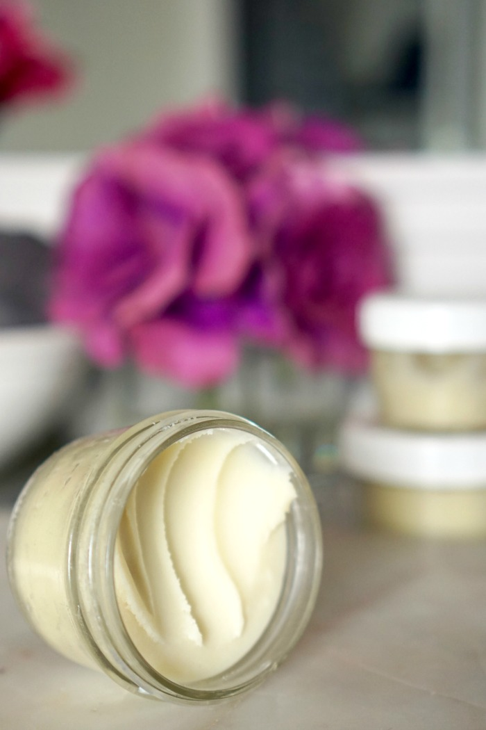 Homemade Body Butter! DIY Homemade Body Butter Recipe! All Natural and Only 4 Ingredients that are safe for your skin! The Perfect for lotion for using with Essential Oils!
