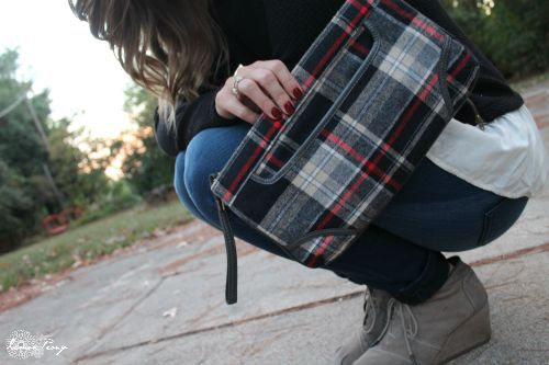 Plaid Handbag Clutch and 8 Fall Fashion Plaid Hacks for Style Tips and Accessories!
