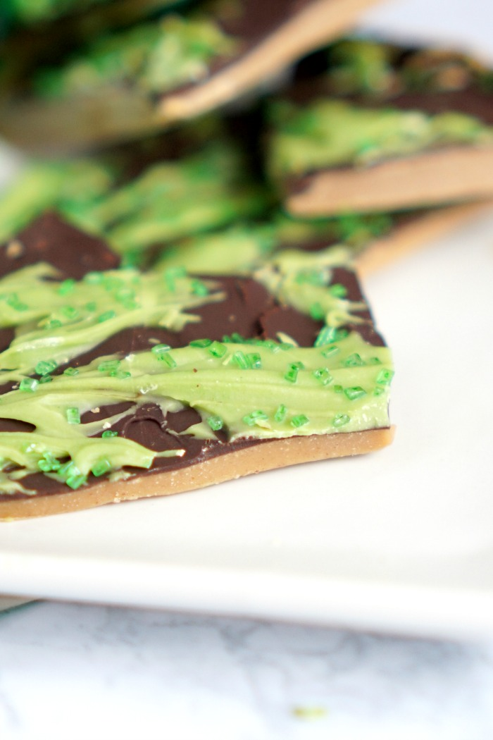 Easy Peanut Butter Bark for St. Patrick's Day! Easy Holiday Recipe that's made with Coconut Oil and Honey!