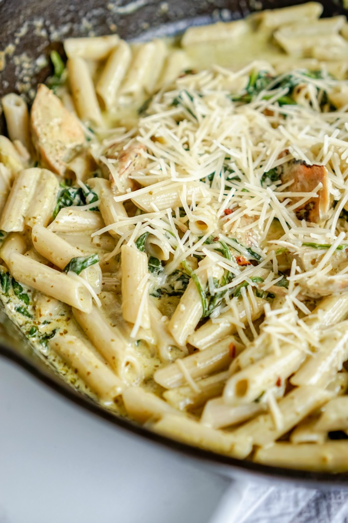 Creamy Chicken Pesto Pasta Recipe for Dinner