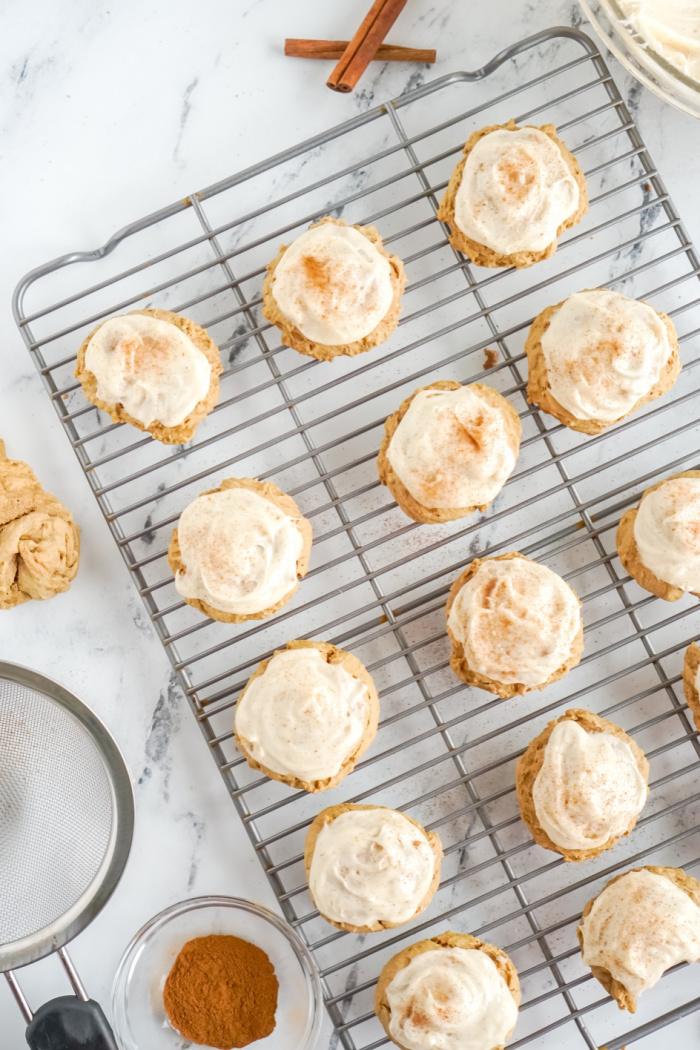 Cookies cooling on rack